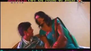 getlinkyoutube.com-Hot Bhojpuri Video | Chini Ke Chus Ke Batasha | New Top Bhojpuri Hot Song