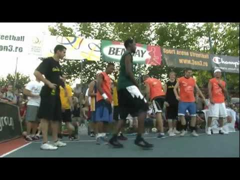 The World Dunk Contest Sunday`s Jam Session