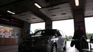 getlinkyoutube.com-2014 chrysler town and country windshield replace.