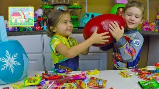 getlinkyoutube.com-BIG HALLOWEEN CANDY HAUL + Play Doh Giant Surprise Egg Bubbles Spooky Disney Toy Surprises Kids Toys