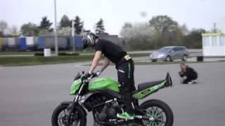 getlinkyoutube.com-ER6-n Stunts