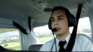 getlinkyoutube.com-Mi primer vuelo solo - Parte 3/4 (Primer despegue, tráfico y aterrizaje solo) - Sin Música