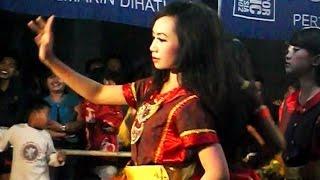 getlinkyoutube.com-Jathilan Putri AYU TENAN POL Kesurupan - Female Horse Dance in Trance [HD]