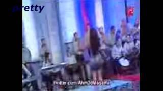 getlinkyoutube.com-صافيناز مع الام الميثاليه ومحمود اليثى اجمل رقص