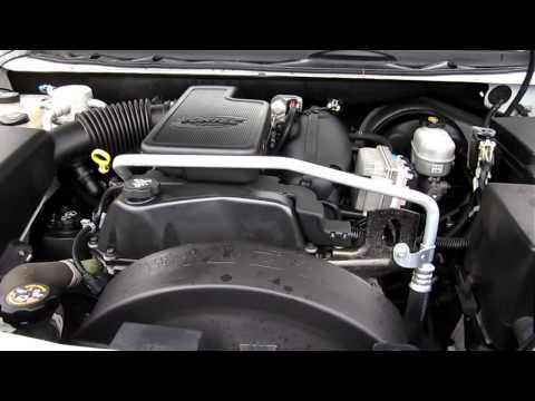 2005 Chevrolet TrailBlazer 4WD, white - Stock# K1306992 - Engine