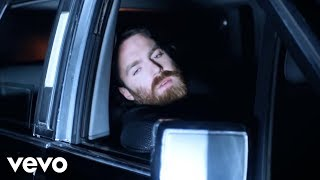 getlinkyoutube.com-Chet Faker - Gold (Official Music Video)
