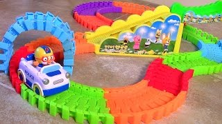 getlinkyoutube.com-Pororo Swiggle Tracks Motorized Police Car With Elevator & Bridge Review Blu Toys Surprise 뽀롱뽀롱 뽀로로