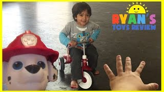 getlinkyoutube.com-Family Fun playing chase around the house Hide N Seek Paw Patrol Egg Surprise Toys Challenge Minion