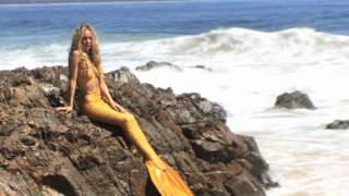 "getlinkyoutube.com-""Mahina Is Coming!"" - A Mermaid Adventure"