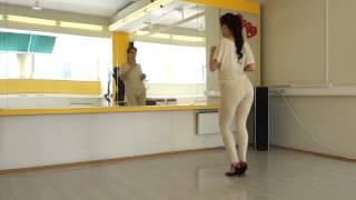 getlinkyoutube.com-Kizomba Tarraxinha Ginga/Body Movement Vol.2 by Laura Zaray