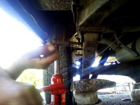 Замена резинак на рессорах москвич 412 комби (1 часть)