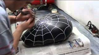 getlinkyoutube.com-Aerografia spiderman serbatoio