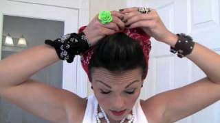 getlinkyoutube.com-Pin-Up Hair Do - Rosie the Riveter Bandana | Kandee Johnson