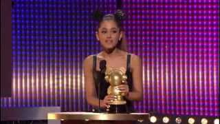 getlinkyoutube.com-Ariana Grande wins Radio Disney Music Award 2014