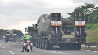 getlinkyoutube.com-Ketibaan Kereta kebal untuk menggempur pengganas sulu di Lahat Datu, Sabah.