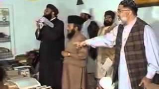 Wahabi Escapes from Munazra with Mufti Ashraf Asif Jalali  - YouTube