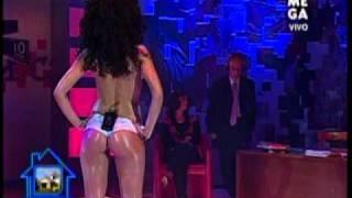 getlinkyoutube.com-Yhendelin Nuñez en topless con che copete