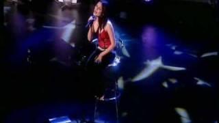 getlinkyoutube.com-The Corrs - Runaway LIVE In London 2001