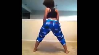 getlinkyoutube.com-Sultry simone big booty twerking