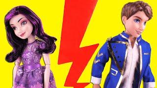 getlinkyoutube.com-Is Descendants Ben still Mal's Boyfriend? with Descendants Evie, Audrey Dolls and Maleficent Belle