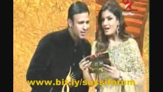 "getlinkyoutube.com-Shreya Ghoshal ""Best singer"" for ""Teri meri""-Bodyguard at IIFA 2012"