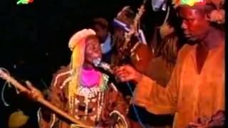 getlinkyoutube.com-Samou Diakité chanteur des chasseurs à Filadougou cercle de Kita