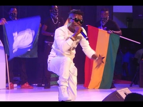 Shatta Wale strips off at Ghana Meets Naija 2015!!!