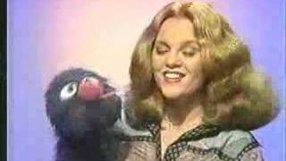 getlinkyoutube.com-Classic Sesame Street - Grover and Madeline Kahn