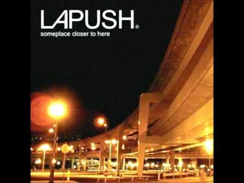 Sticking Around de Lapush Letra y Video