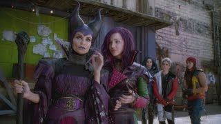 EXCLUSIVE! Behind-the-Scenes With the Wicked Stars of Disney Channels' 'Descendants'