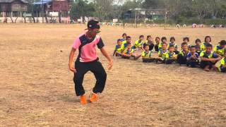 เต้นเพลงก้อนคำ สีสันกีฬาสีของเด็กๆ