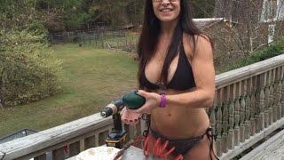 getlinkyoutube.com-Bikini Survivalist 49 Year Old Farm Girl Makes One Egg Emu Quiche.