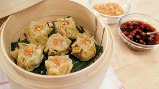 getlinkyoutube.com-Shumai | Shrimp & Pork Dumplings Recipe | Kanom Jeeb ขนมจีบ - Hot Thai Kitchen!