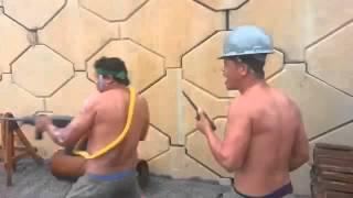 getlinkyoutube.com-Rambo pedreiro