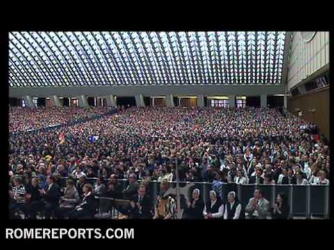 Pope greets members from Anti-Defamation League