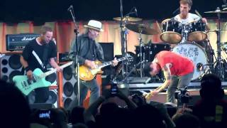 getlinkyoutube.com-Pearl Jam with Neil Young - Rockin in the free world Toronto 2011 COMPLETE