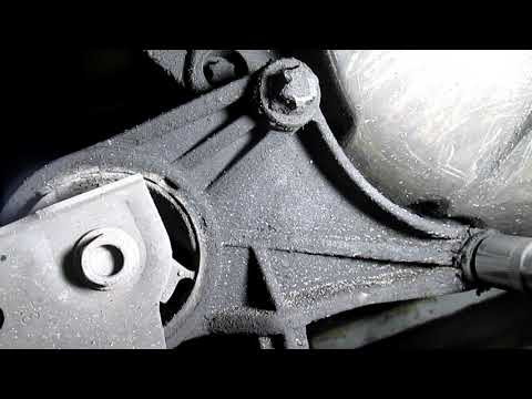 Где у Opel Инсигния подушки двигателя
