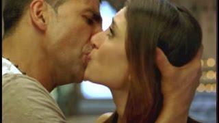 getlinkyoutube.com-Akshay Kumar 7 Hottest Kisses !! | Kareena Kapoor, Priyanka Chopra and 5 More