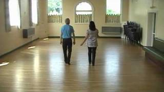 WALTZ ACROSS TEXAS    ( Line Dance )
