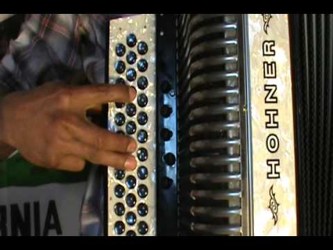 Como Tocar Que te a dado esa mujer en acordeon Sol/GCF tono Do Tutorial / Instruccional
