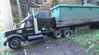 getlinkyoutube.com-tamiya knight hauler moves a full plant trough