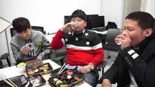 getlinkyoutube.com-철구와 로이조 그리고 최군 방송 전 대기실 먹방토크 - KoonTV
