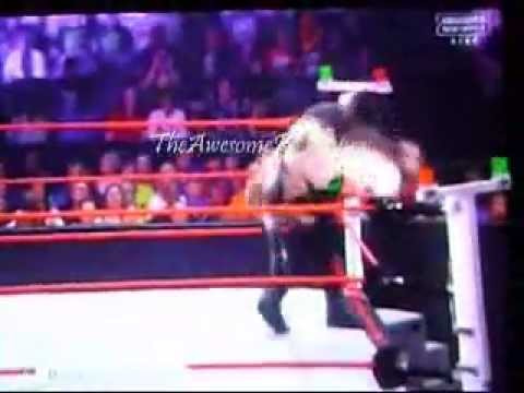Extreme Rules 2013 Sheamus vs Mark Henry STRAP MATCH