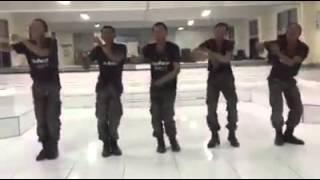 getlinkyoutube.com-ทหารใหม่ซ้อมเต้น งานพร้อมญาติ ม. พัน. 17 รอ. สระบุรี