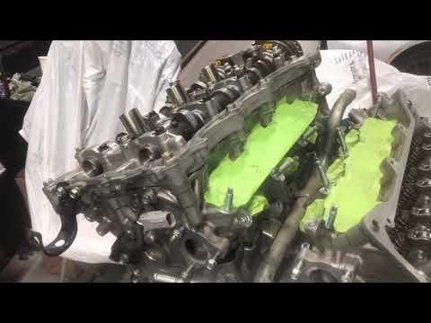 Расположение фильтра двигателя у Lotus Эксиж