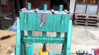 getlinkyoutube.com-Машина за брикете   mајстор Зока - Masina za brikete majstor Zoka - Briquette machine artisan Zoka
