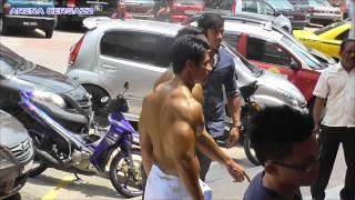 getlinkyoutube.com-Backstage Mr Badan Cantik Alimbudin Classic 2014 Part 4