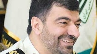 getlinkyoutube.com-حمله نیروهای انتظامی به فرزاد حسنی در حین استمناء