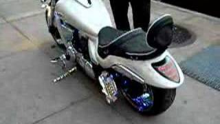getlinkyoutube.com-SUZUKI M109 2007 WITH AIR RIDE SUSPENSION