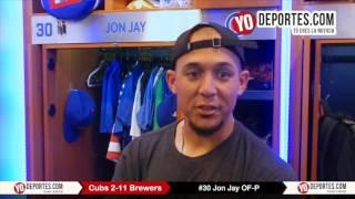Jon Jay contento de lanzar para Chicago Cubs 2-11 Milwaukee Brewers